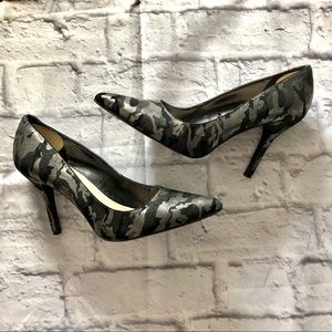 Nine West glittery camo plumps heels size 10